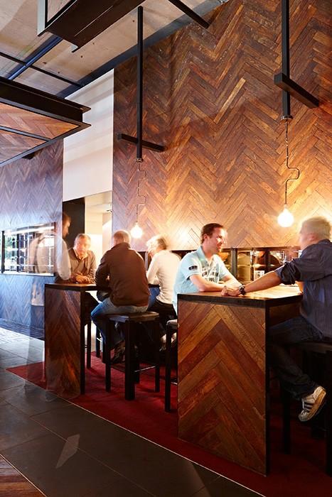 Melbourne riverside cafe, bar, restaurant