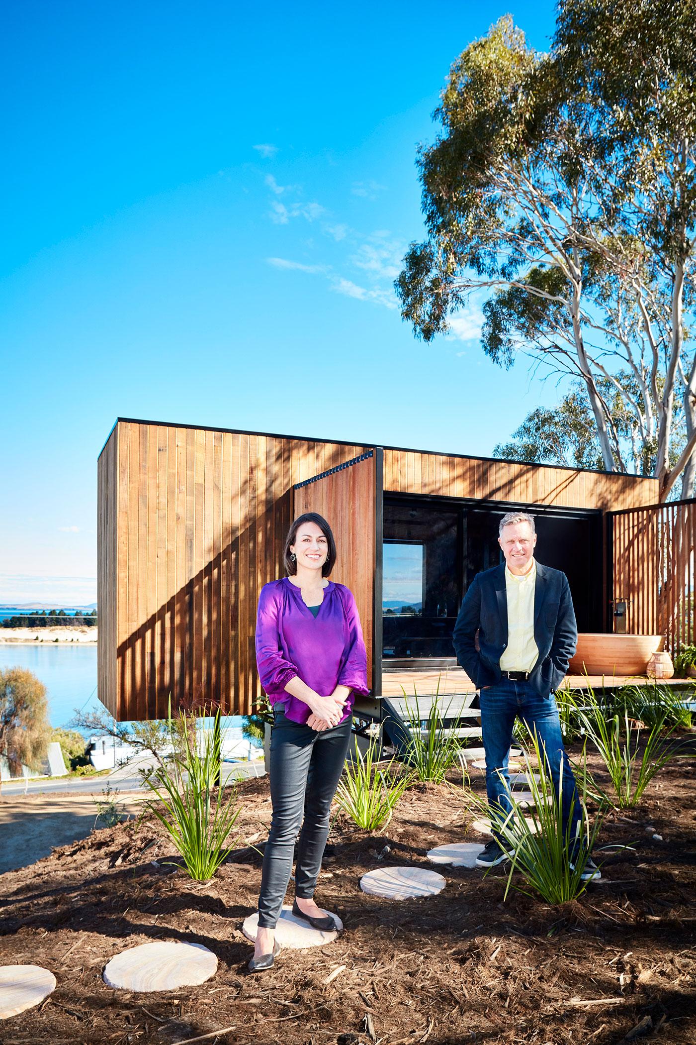 GRAND DESIGNS AUSTRALIA SERIES 8 HOST & HOME OWNER PORTRAITS 3