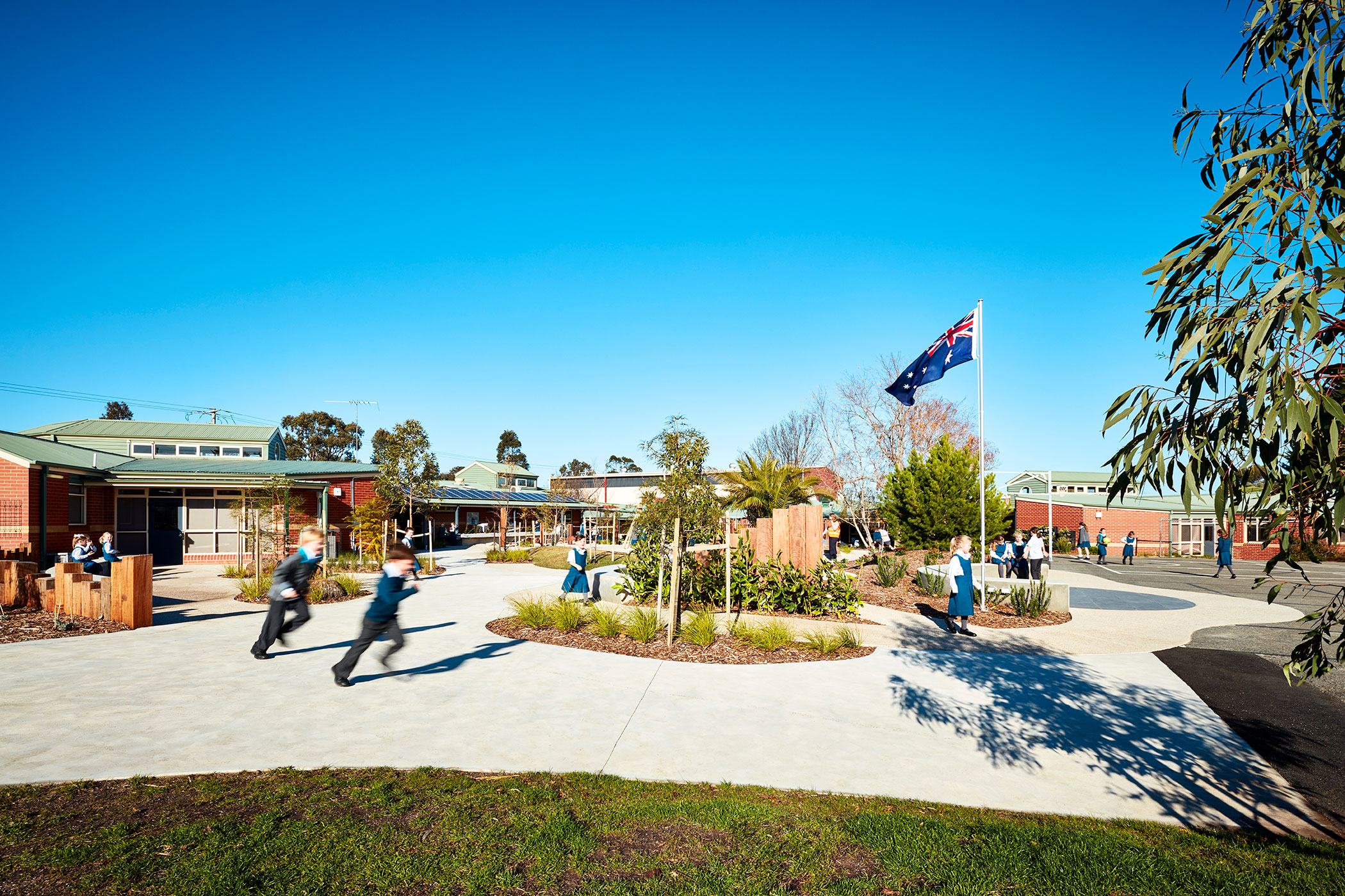 ST MARY MACKILLOP CATHOLIC PRIMARY SCHOOL - Australian Flag 2